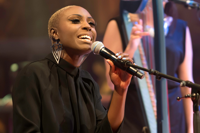 laura mvula at the lichfield cathedral (lichfield festival) 2013